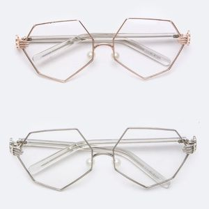 Other - Iconic Clear Glasses 🤓😍